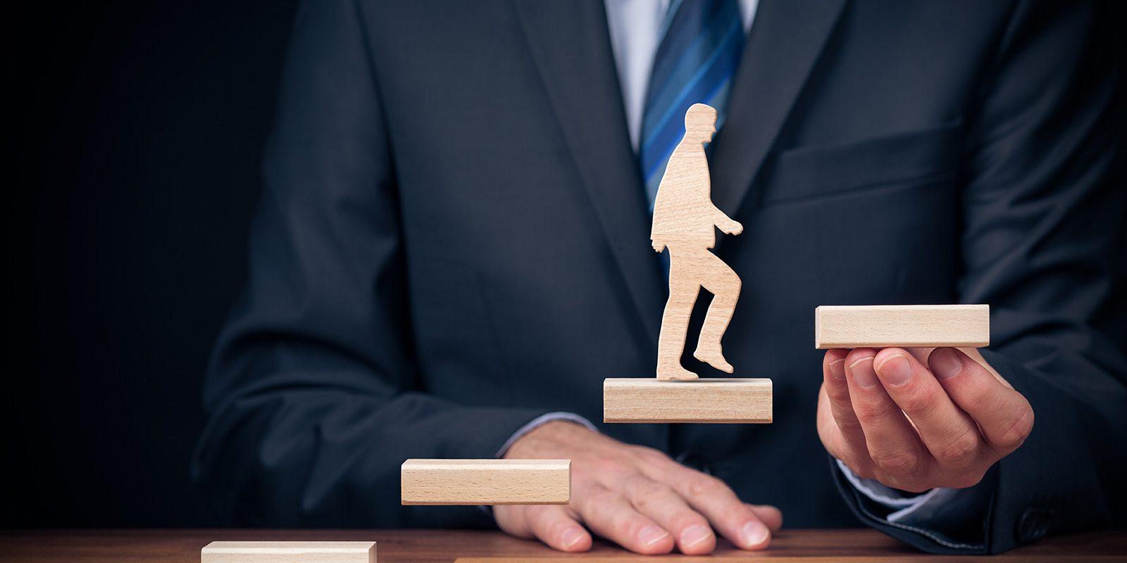 مهارتهای کارکنان را افزایش دهید